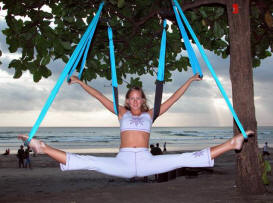 Yoga swing exercise - split